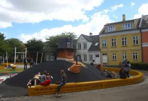 Professor Labri's Plads anno 2014